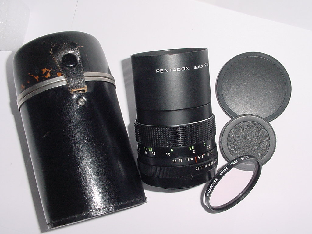 PENTACON 135mm F/2.8 auto MC Manual Focus M42 Screw Mount Lens
