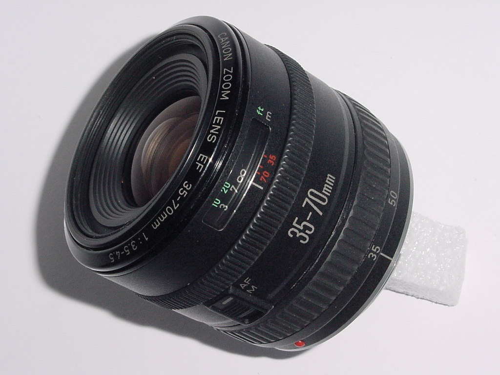 Canon 35-70mm F/3.5-4.5 EF Zoom Lens