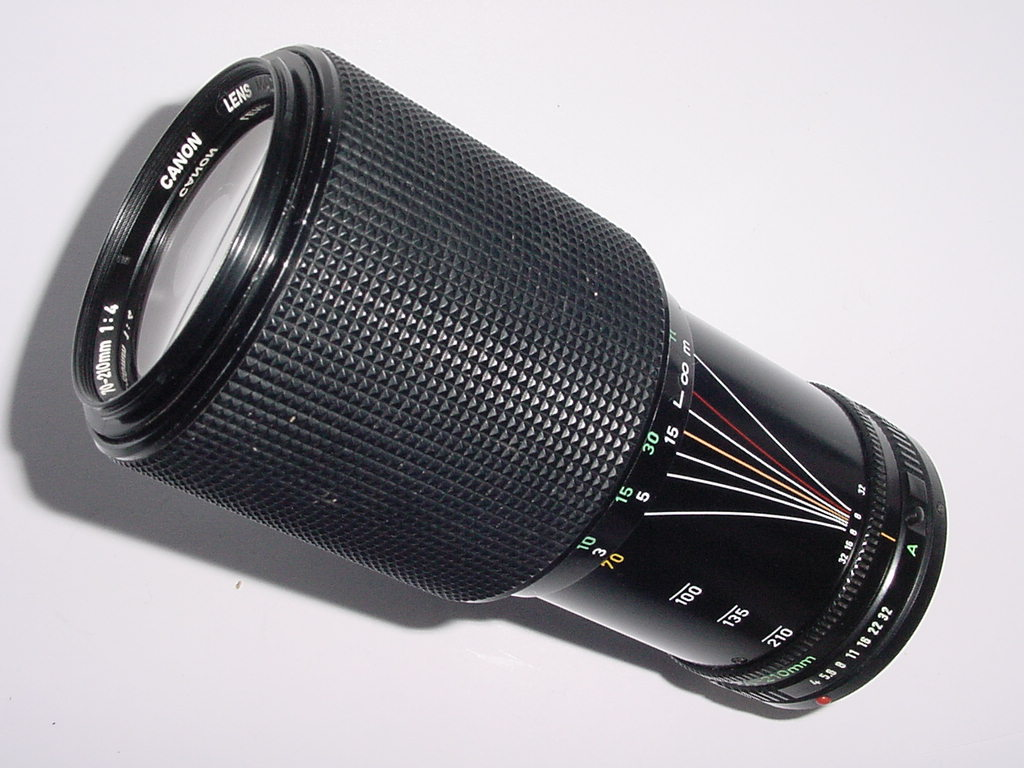 Canon 70-210mm f/4 FD Manual Focus Zoom Lens