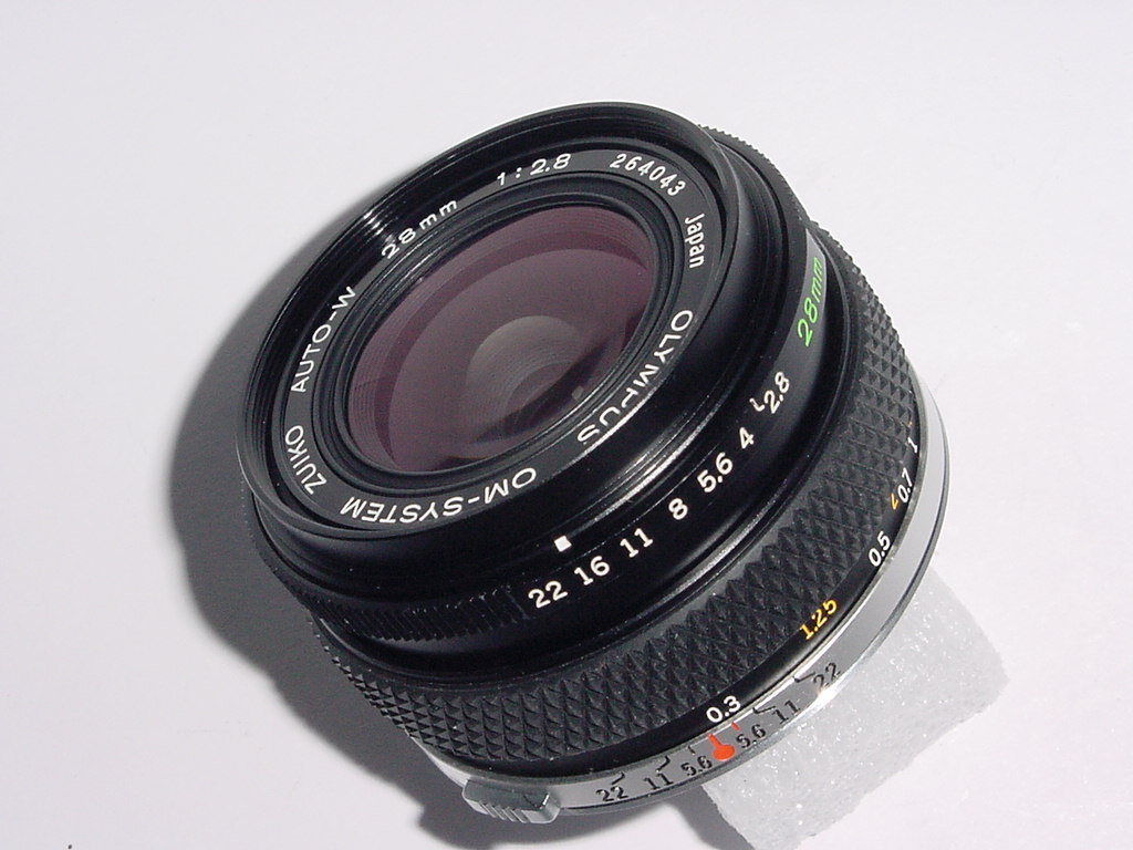 Olympus 28mm F/2.8 ZUIKO AUTO-W Manual Focus Wide Angle Lens