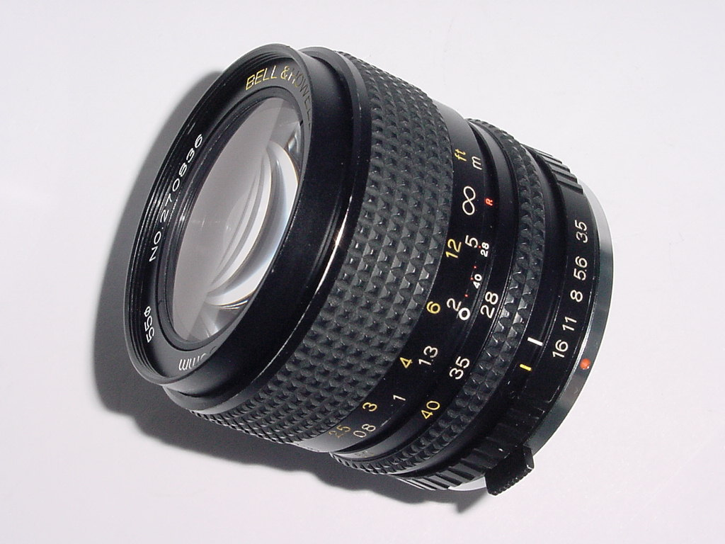 Olympus OM Fit BELL & HOWELL 28-50mm F/3.5-4.5 Manual Focus Zoom Lens