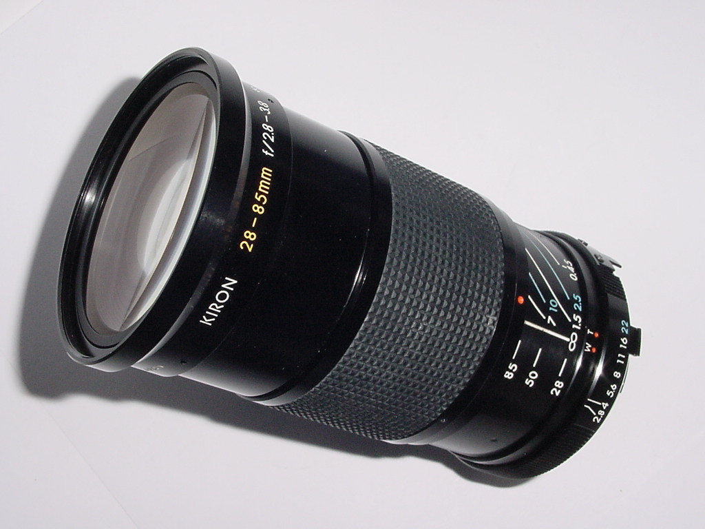 Minolta MD Fit KIRON 28-85mm F/2.8-3.8 MACRO 1:4 MC Manual Focus Zoom Lens
