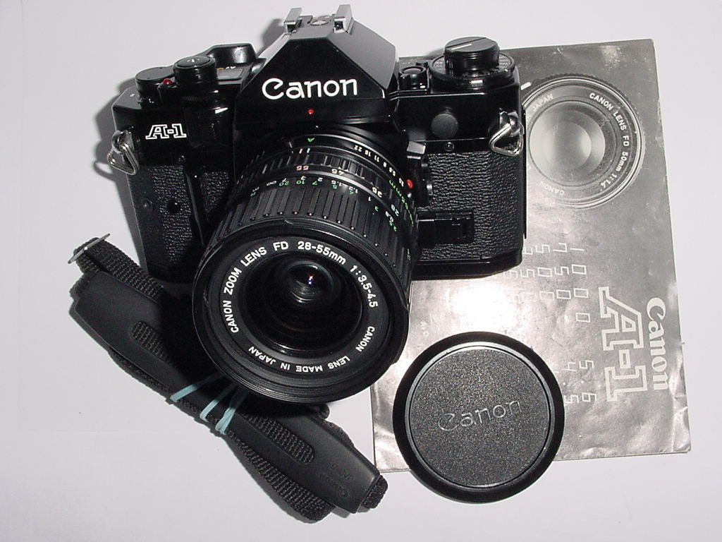 Canon A-1 35mm SLR Film MANUAL Camera w/ Canon 28-55mm F/3.5-4.5 Zoom Lens