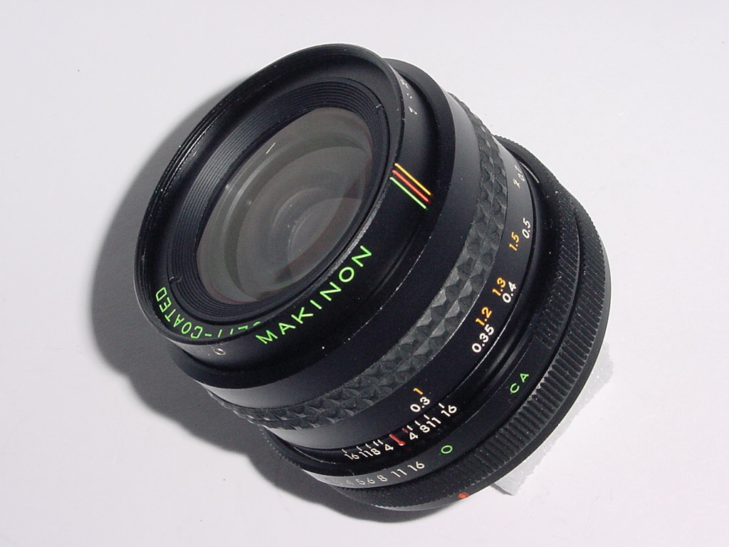 Canon FD Fit Makinon 28mm F/2.8 MC Wide Angle Manual Focus Lens