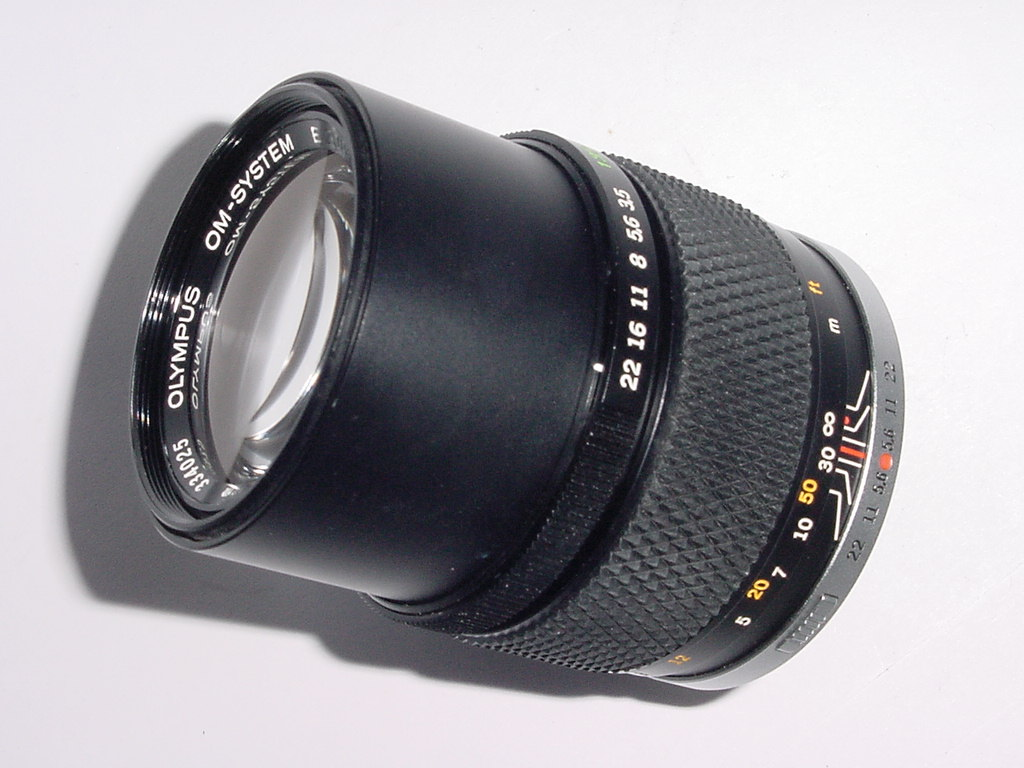 OLYMPUS 135mm F/3.5 ZUIKO AUTO-T OM-SYSTEM Manual Focus Lens