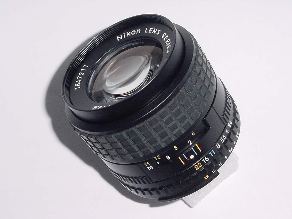 NIKON 100mm F/2.8 AIs SERIES E MANUAL FOCUS LENS
