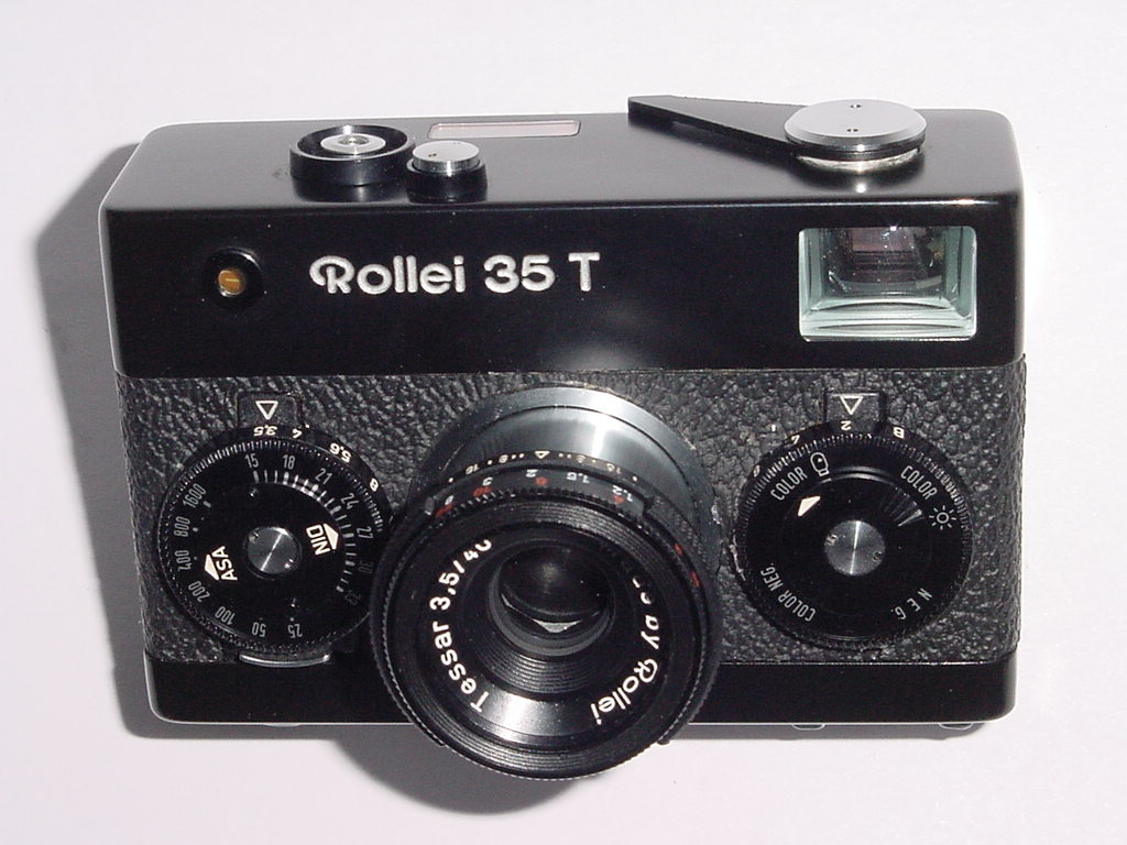 Rollei 35 T 35mm Film Manual Camera w/ 40mm F3.5 Tessar Lens