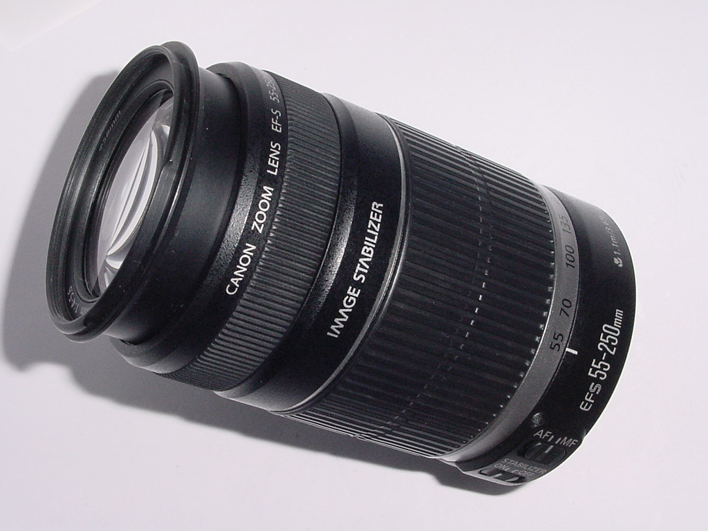 Canon 55-250mm F/4-5.6 IS EF-S  Auto Focus Zoom Lens
