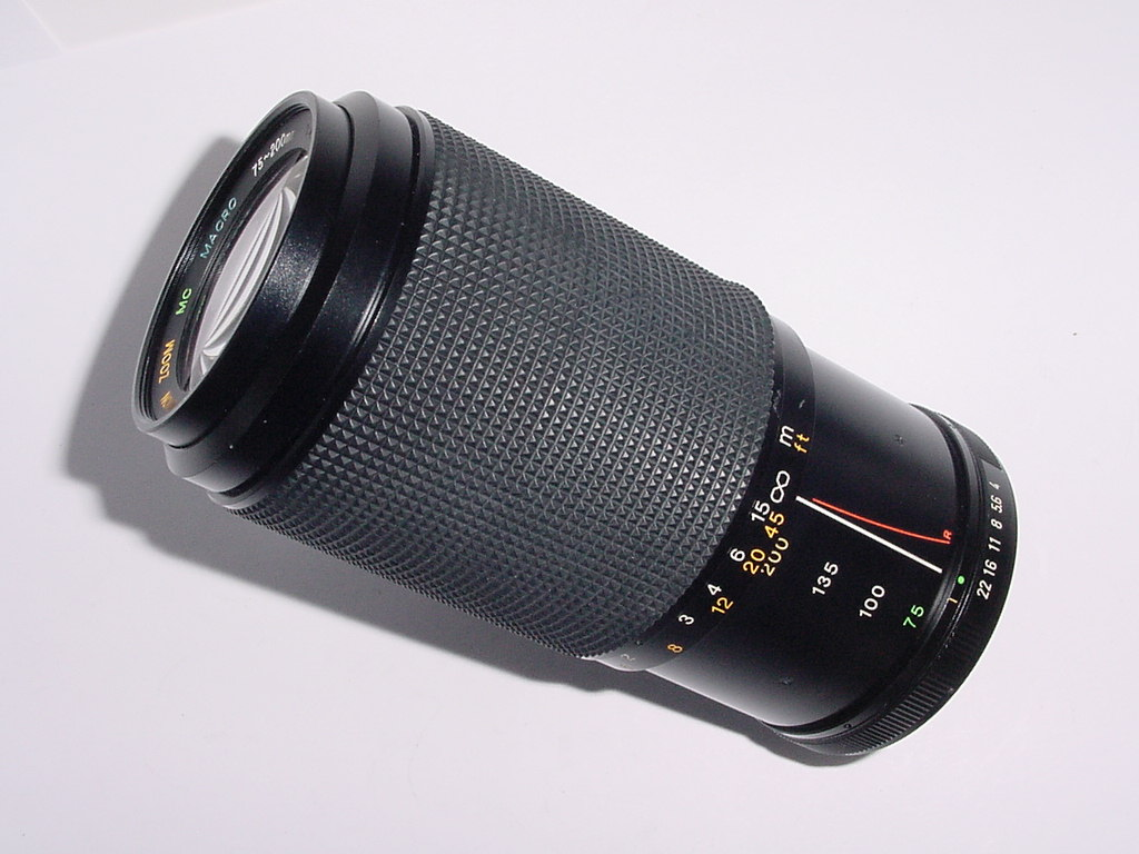 Pentax K Fit CHINON 75-200mm F/4.0-4.8 MC MACRO Manual Focus Zoom Lens
