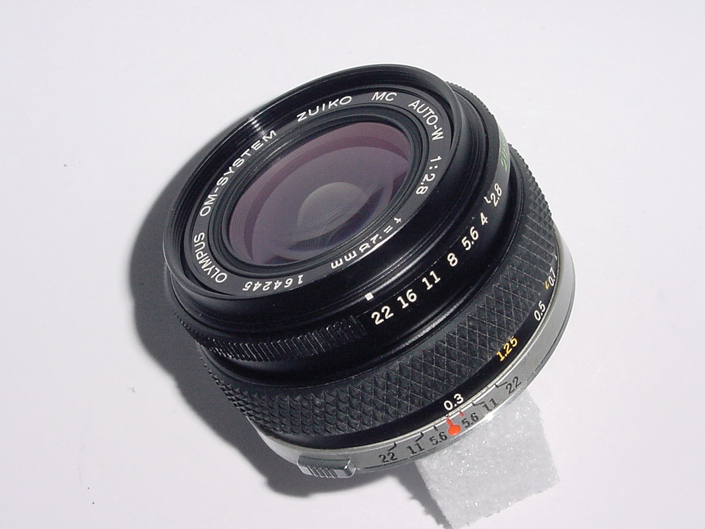 Olympus 28mm F/2.8 AUTO-W MC ZUIKO WIDE ANGLE Manual Focus Lens