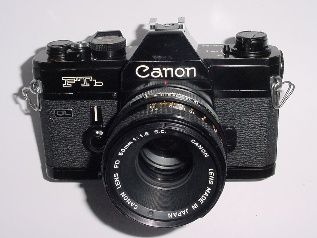Canon FTb QL 35mm Film SLR Manual Camera + Canon 50mm F/1.8 FD S.C. Lens - Black