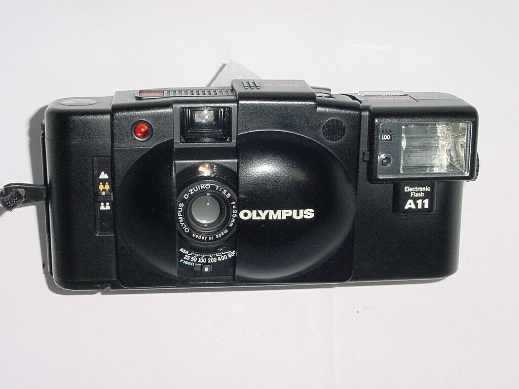 Olympus XA 2 35mm Film Camera with D.Zuiko 35mm F/3.5 Lens