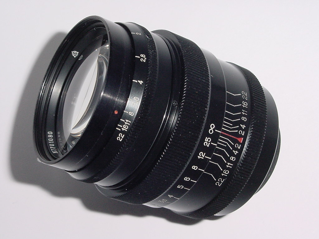 JUPITER 9 85mm F/2 M39 Screw Mount Manual Focus Lens