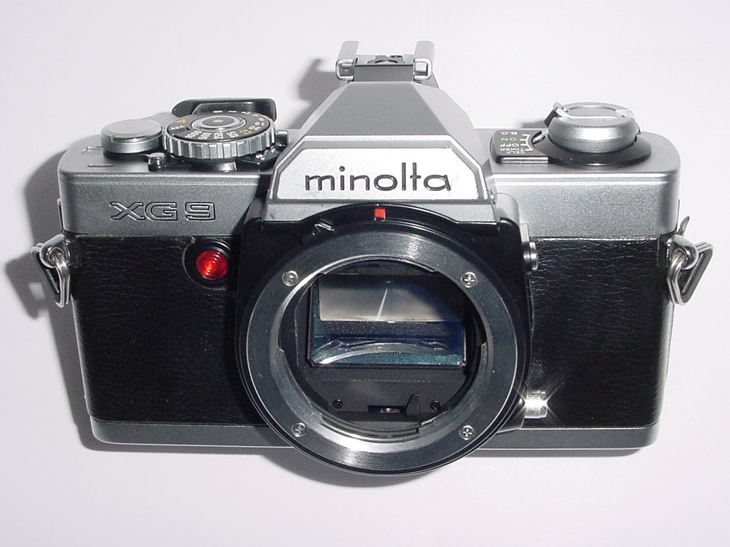 Minolta XG 9 35mm Film SLR Manual Camera Body