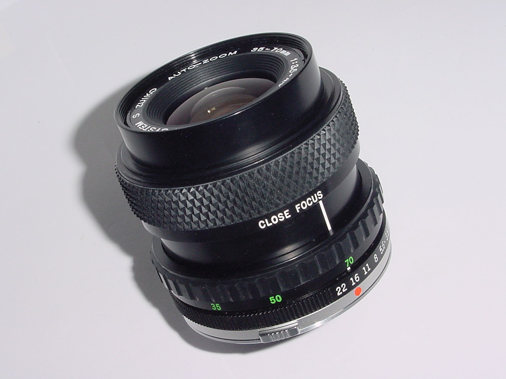 Olympus 35-70mm F/3.5-4.5 ZUIKO AUTO-ZOOM Close Up Lens