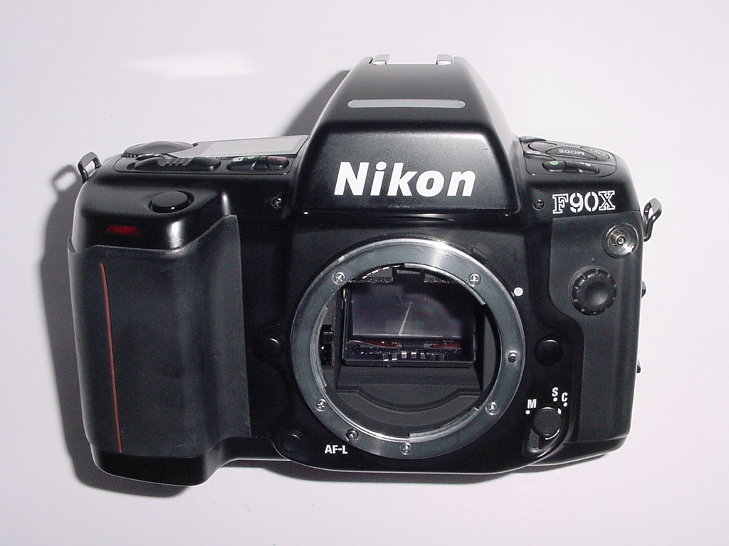 Nikon F90X 35mm Film Auto Focus SLR Camera Body