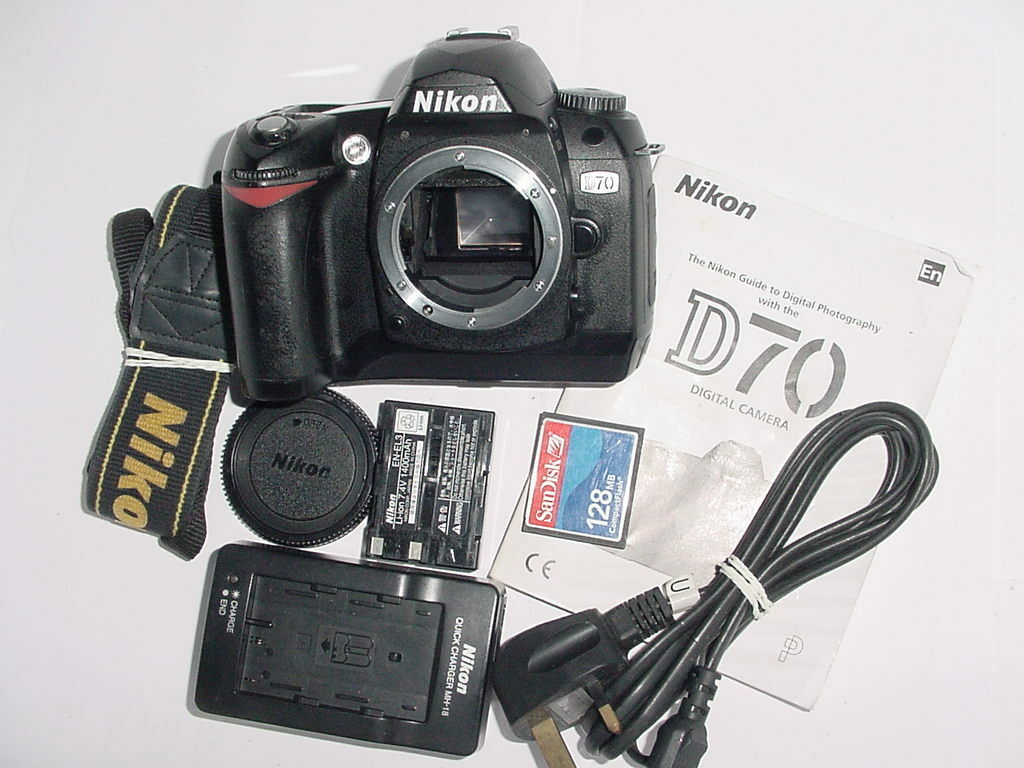 Nikon D70 6.1MP Digital SLR Camera Body