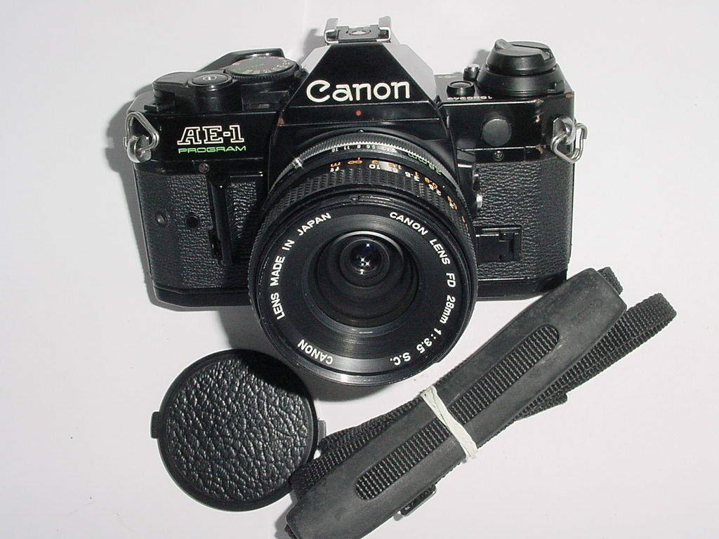 Canon AE-1 Program 35mm SLR Film MANUAL Camera with Canon 28mm F3.5 FD S.C. Lens