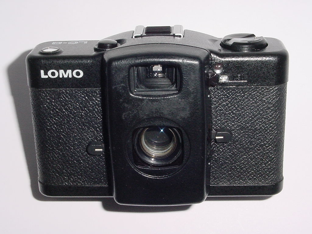 LOMO LC-A 35mm Film Compact Camera WITH 32mm F/2.8 LENS