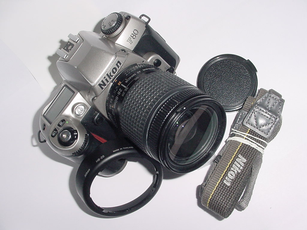 Nikon F80 35mm Film SLR Camera w/ Nikon 28-80mm F/3.5-5.6 D Zoom Lens