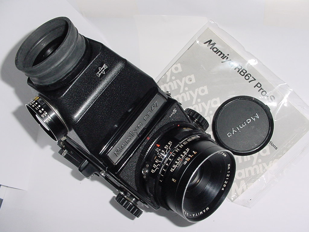 Mamiya RB67 ProS Professional S 120 Film Camera + 27/3.8 Lens + A Finder