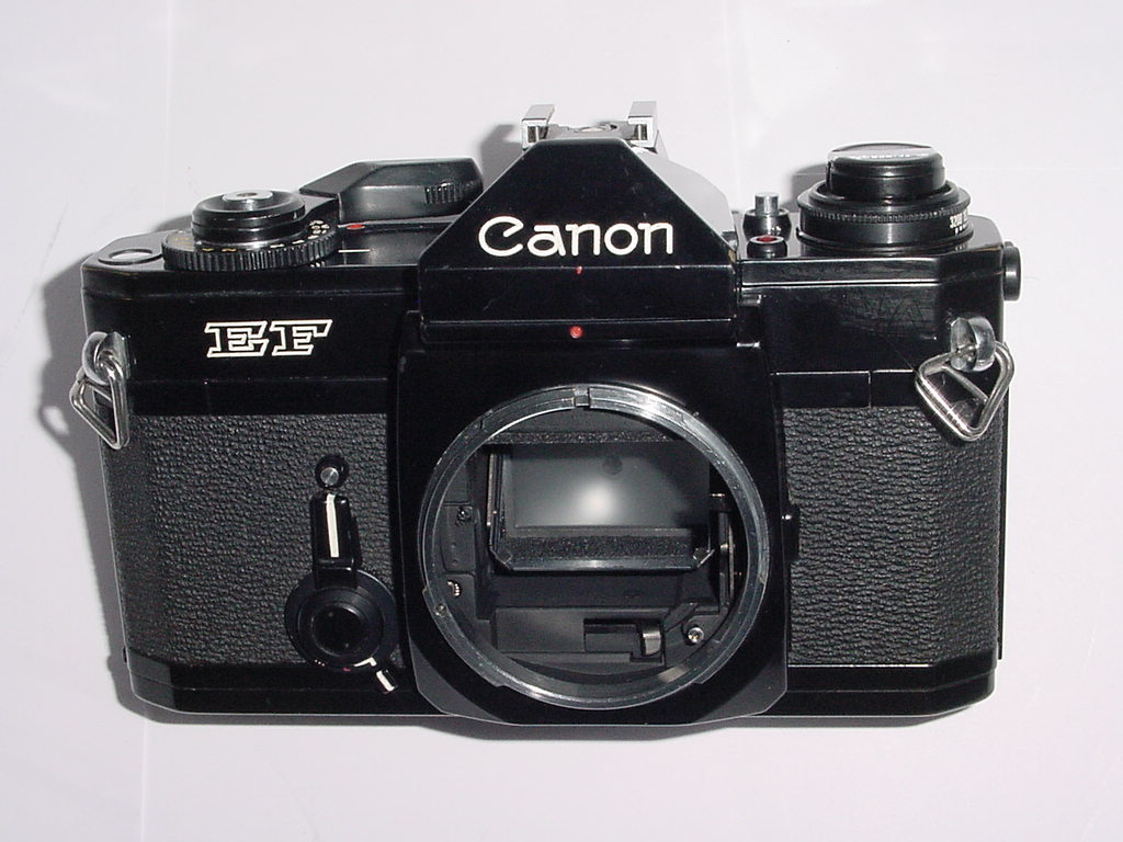 Canon EF 35mm Film Manual SLR Camera Body